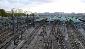 Fotolia_©-Bruno-Bernier_rail_paris_transport_web